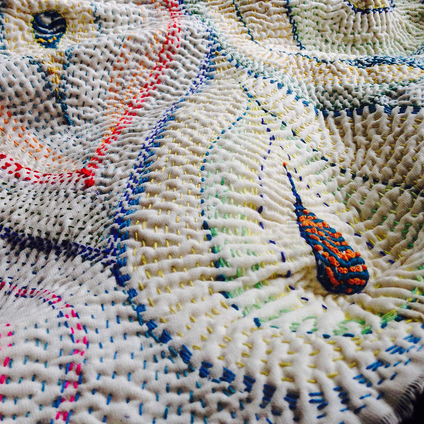'Waves'-embroidery-on-cloth-WEB